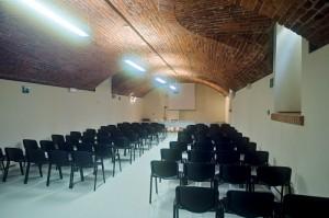 Fotografia della sala conferenze del museo