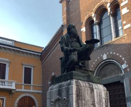 Statua Mosè Bianchi
