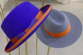 2 cappelli esposti in mostra